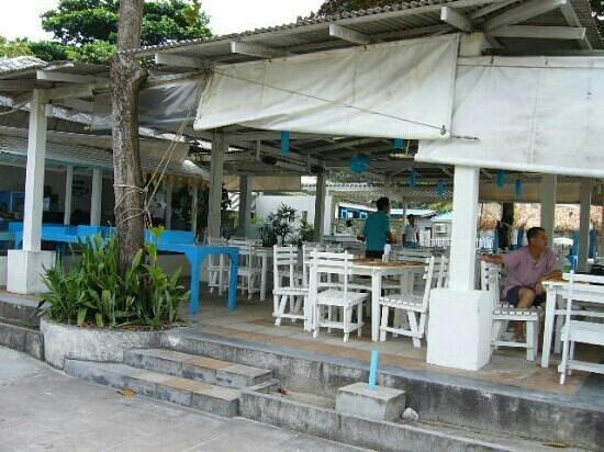ทรายแก้ว บีช รีสอร์ท: outdoor cafe