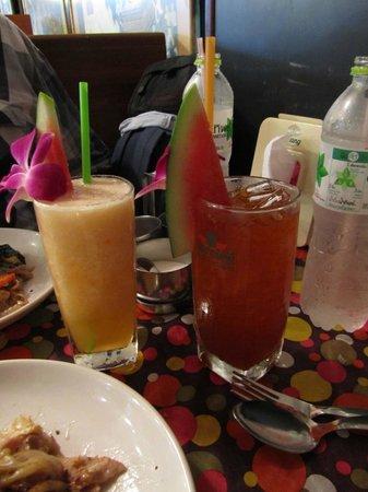 Toh Plue Restaurant: Fruit shakes