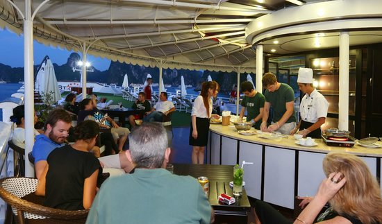 Starlight Cruise Halong Bay - Day Tour: Cooking demonstration