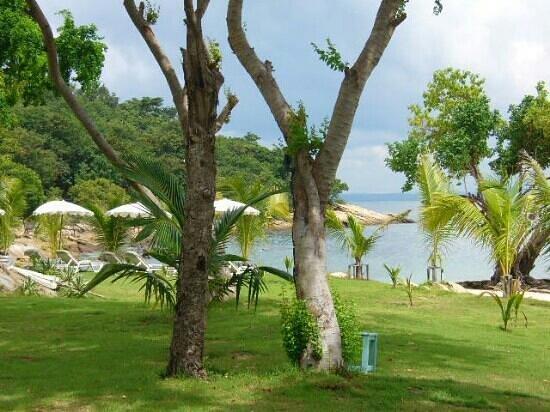 ทรายแก้ว บีช รีสอร์ท: luke yon beach near garden villa bungalow type