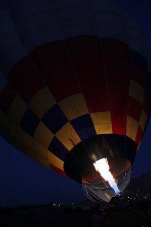 Sindbad Hot Air Balloons: Balloon preparations