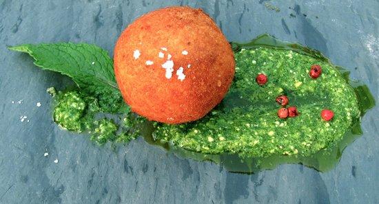 Ceraldi: Arancini with mint pesto