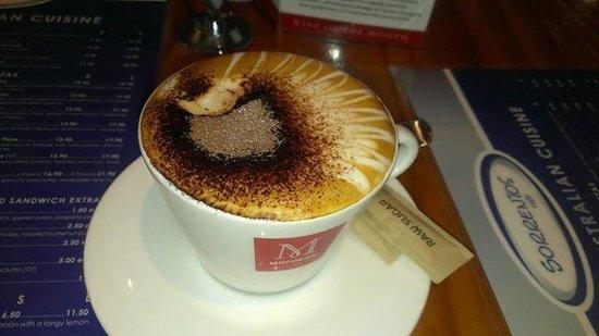 Sorrentos Cafe: Great espresso!