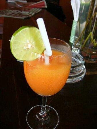 เสม็ด คลับ รีสอร์ท: welcome drink