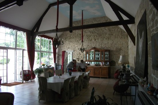 Domaine de Montaigu: Breakast room