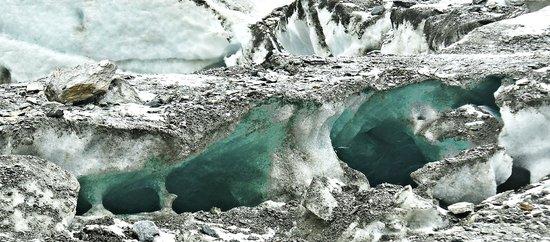 โรงแรมชาเล่ต์เซนเกอร์: Blick in den Gletscher