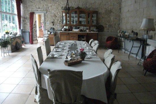 Domaine de Montaigu: Breakfast room