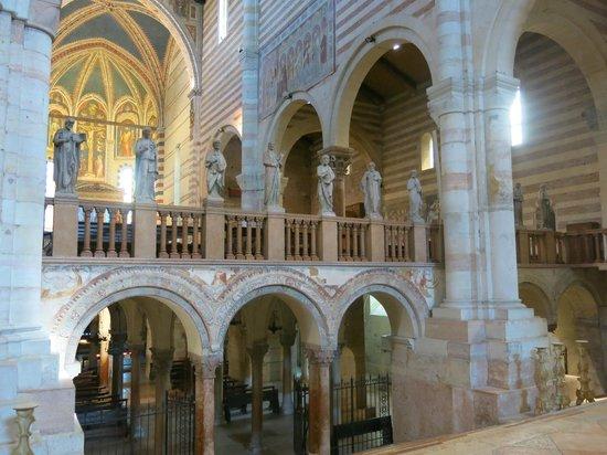 Basilica di San Zeno Maggiore: Crypt below