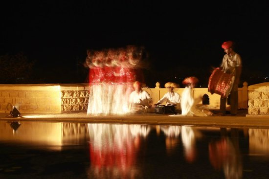 Hotel Rawalkot Jaisalmer: Dance performance - pardon the special effects :) (no photoshop here)