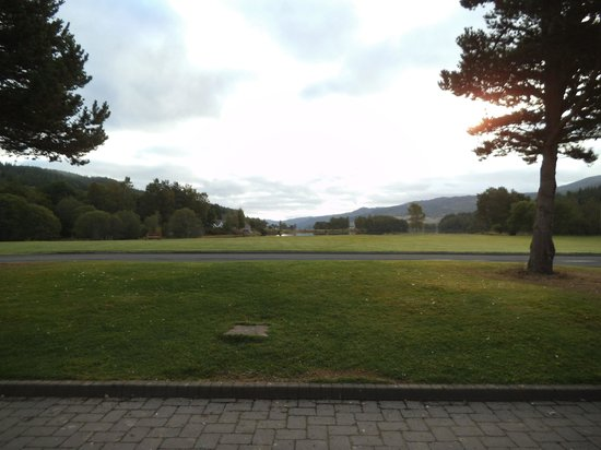 Loch Tummel Hotel: View of the Loch from the the hotel.