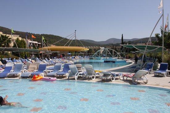 อควา แฟนตาซี แลนด์: Main Pool