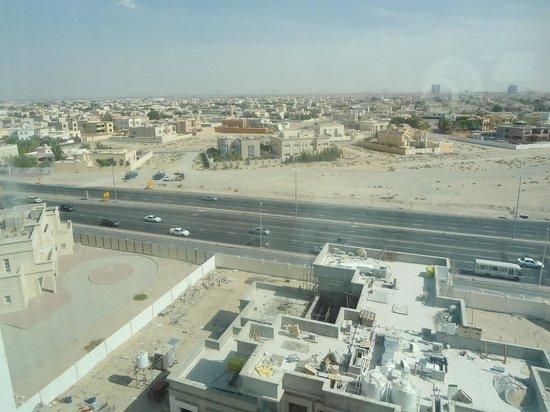 โรงแรมรามาดาเชลซี อัลบาชา: Road