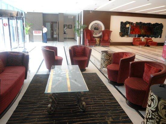 โรงแรมรามาดาเชลซี อัลบาชา: Loby