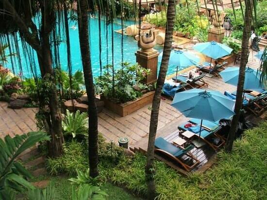 อวานี พัทยา รีสอร์ท แอนด์ สปา: pool view room