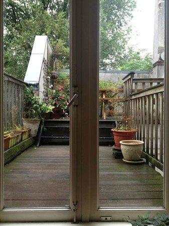 Maes B & B: The patio