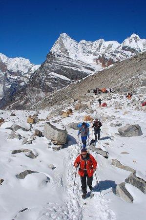 Trekking Team Pvt. Ltd. - Day Tours: on the way to Mera