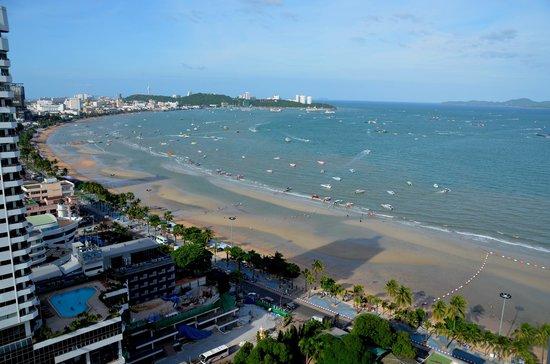 โรงแรมฮอลิเดย์ อินน์ พัทยา: Morning View from Hotel Balcony
