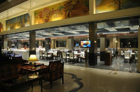 The Lobby Cafe: Facade