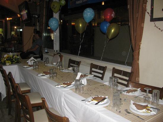 White Lady Cretan Family Taverna: TABLE DECORATIONS