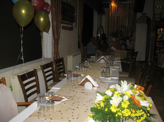 White Lady Cretan Family Taverna: TABLE RESERVATIONS