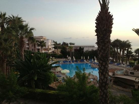 Hotel St. George: The pool in the evening sun