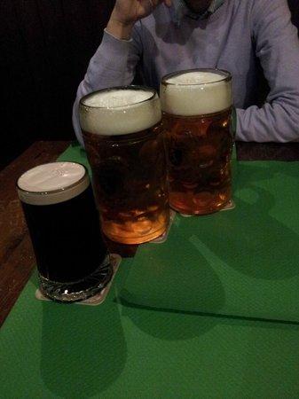 Mc Roy Inn: 2 boccali da un litro e pinta di Guinness