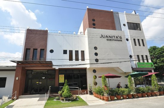 Juanita's Guesthouse: Front View