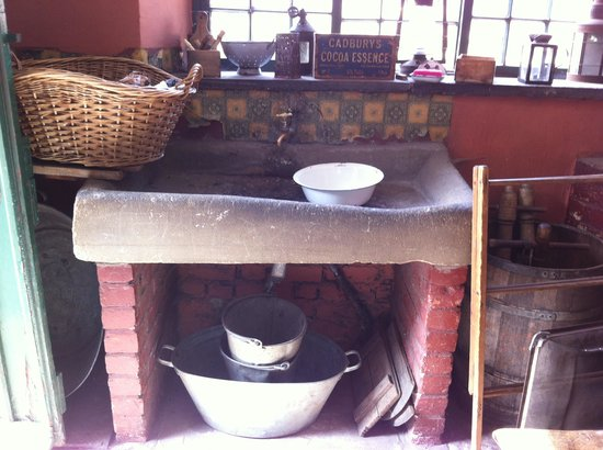 Beamish Museum: farmhouse kitchen
