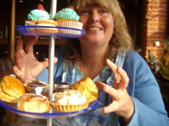 The Salthouse Eaterie: Birthday afternoon tea