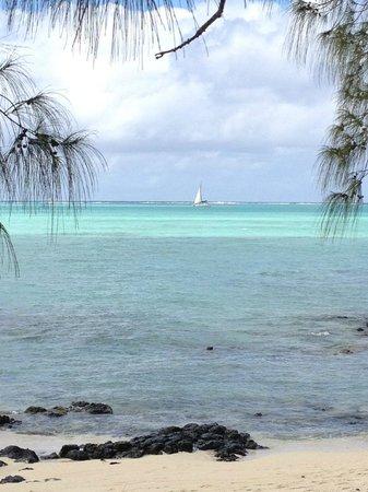 Four Seasons Resort Mauritius at Anahita: mooi water op Ile aux Cerfs