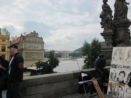 สะพานชาร์ลส์: Karluv Most