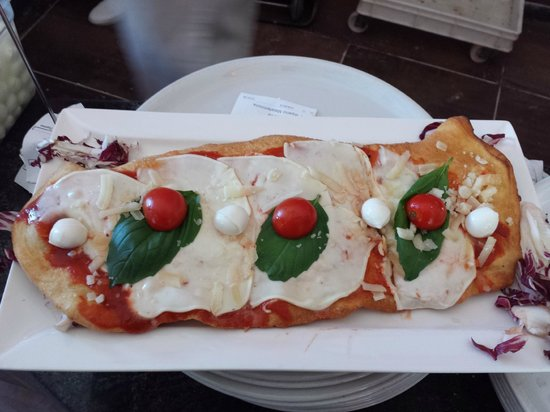 Lucignolo Bella Pizza - Group Celio: Pizza Fritta al Forno