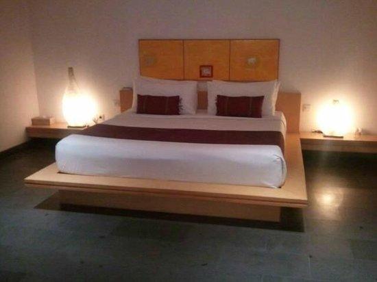 บาหลี ไอแลนด์ วิลล่าส์ แอนด์ สปา: ベッド