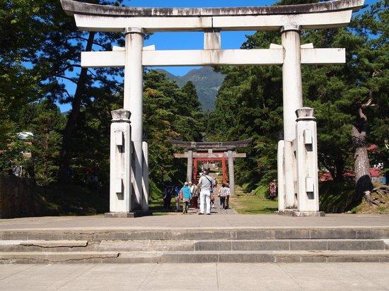 Iwakiyama Shrine: 門前
