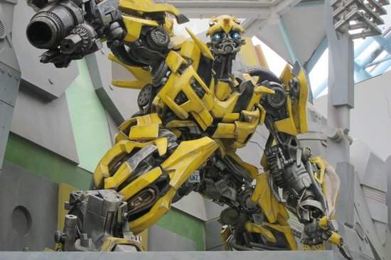 ยูนิเวอร์ซัล สตูดิโอ สิงคโปร์: Transformer Bummer Bee