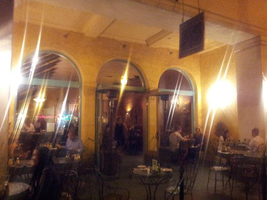 Palazzio Trattoria Italiana: nice outdoor atmosphere