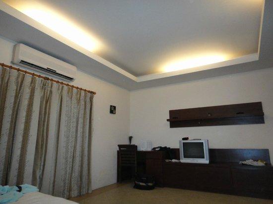 Citin Garden Resort by Compass Hospitality: Room
