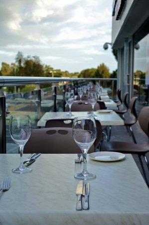 Shavan's Indian Restaurant: Alfresco dining at Shavan's