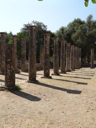 แองเชี่ยน โอลิมเปีย (อาร์ไชย่า โอลิมเปีย): The palaestra is building in ancient Greece devoted to the training of wrestlers and other athle