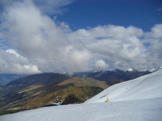 Coronet Peak: lovely blue skies