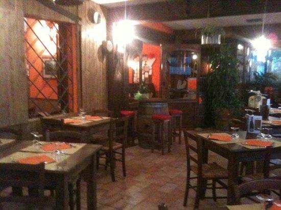 Osteria Vienioltre a Casa di Alice: Atmosfera calda ed accogliente