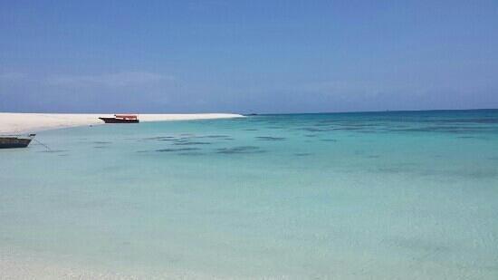 My Blue Hotel: lingua di terra raggiungibile solo in barca