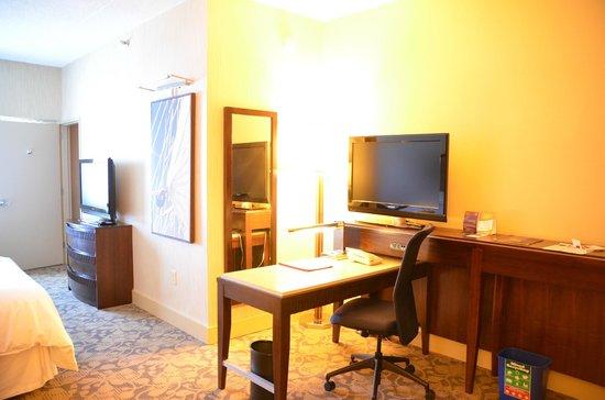 โรงแรมเชอราตั้นลินคอล์นฮาร์เบอร์: salon
