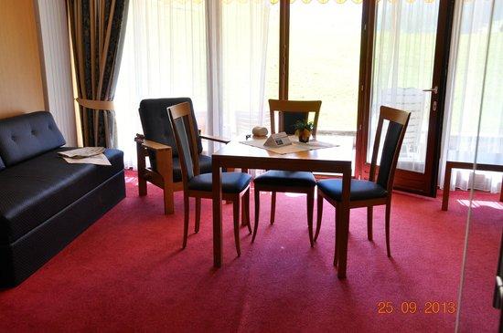 Family Resort Rainer: la zona salottino della camera