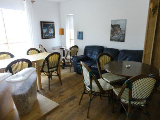 Hnjotur Guesthouse: Frühstücks- bzw. Speiseraum