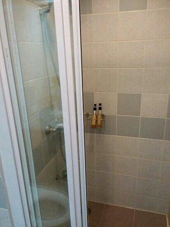 เอเวอร์กรีน เพลส กรุงเทพ: bath room