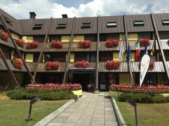 Centro Pineta Family Hotel & Wellness: facciata entrata hotel
