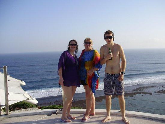 โรงแรมการ์มา กันดารา: My sister Her daughter  & My grandson at the pool area