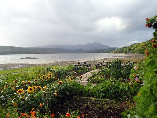 Venachar Lochside: Loch Venacher view