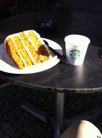 Starbucks Cafe: carrot cake and espresso